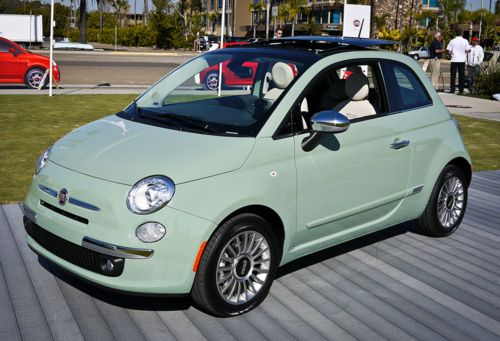 This color Fiat 500 commanded a lot of attention at the recent Pittsburgh auto show. The dash is the same color as the outside. When seen in person, this paint gives an impression of a Bakelite material instead of metal.