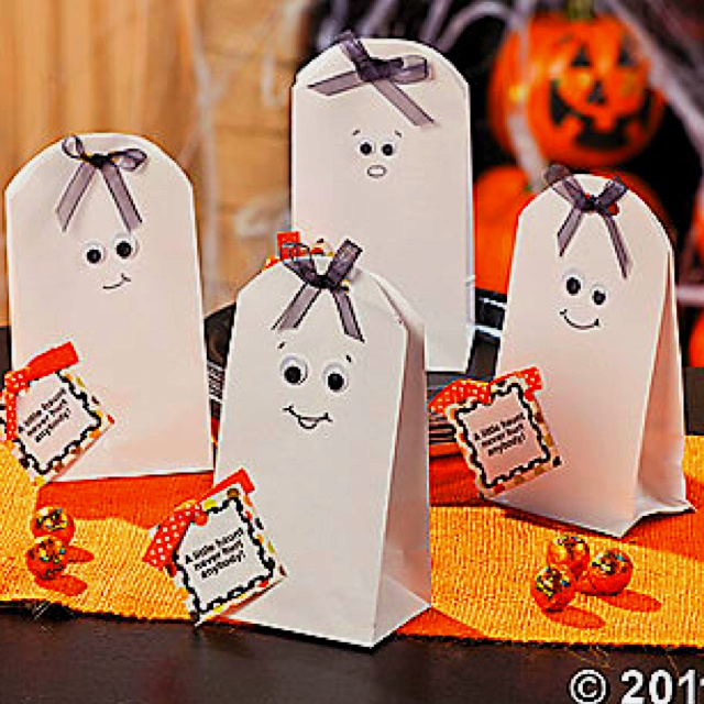 186 best Halloween images on Pinterest Halloween parties, Day care - halloween treat bag ideas