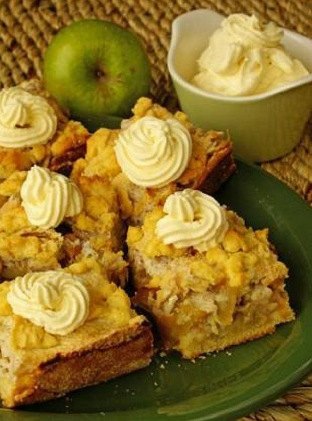Apple pie with walnuts in olive