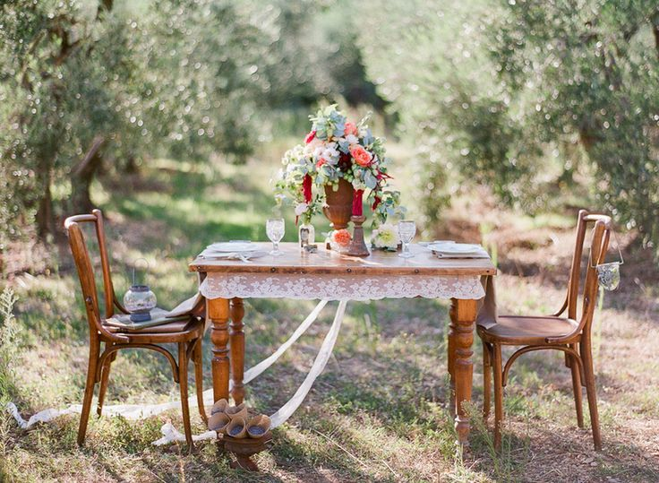 Flowers by Laetitia C. Gert Huygaerts Photography; styled Shoot in Provence. Dress from Claire Pettibone: http://www.norwegianweddingblog.com/2015/03/romantikk-i-provence-av-gert-huygaerts-photography.html