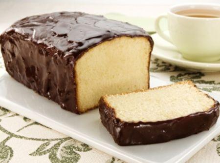 Receita de Bolo Tipo Pullman - bolo inglês com margarina, polvilhe farinha de trigo e despeje a massa. 4- Asse o bolo por cerca de 1 hora, ou até que, ao espetar um palito, ele...