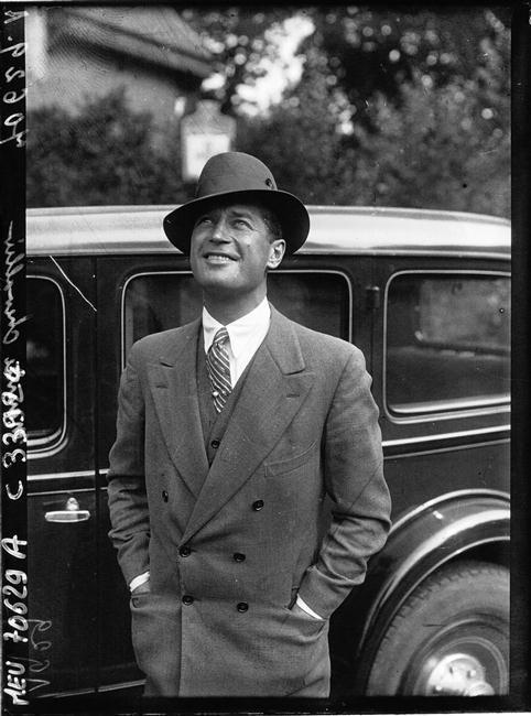 Maurice Chevalier, 1929: thank heavens for little girls...wonderful actor...so missed!