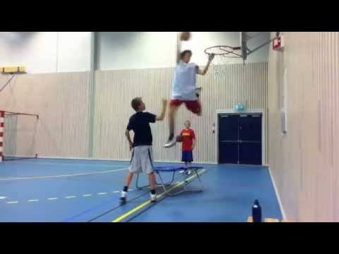 Basket Dunking (amateur)