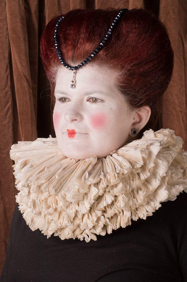 #Elizabethan TiaRose