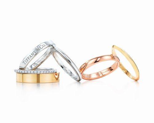 Fedi in platino, oro bianco, giallo e rosa con diamanti Tiffany & Co.     #Jewelry #wedding