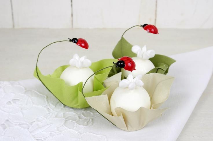 Docinhos Florzinha na Forminha de Joaninha