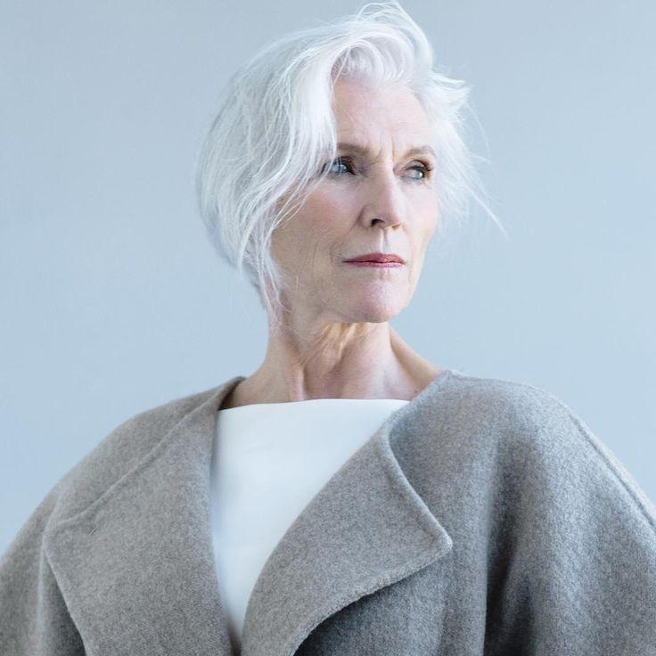 Newsone | Το εκπληκτικό στιλ μιας 68χρονης, με άσπρα μαλλιά [εικόνες] | Newsone.gr