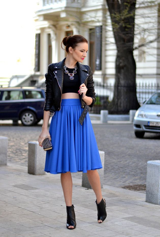 Navy Blue Skirt Outfit with a Leather Jacket http://www.prettydesigns.com/25-trendy-midi-skirts-outfits/