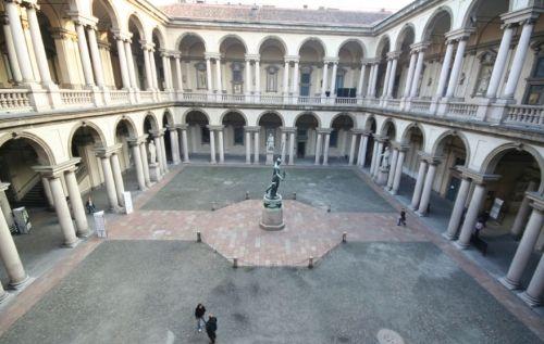 L`Accademia di Belle Arti di Brera venne fondata nel 1776 con decreto dell`imperatrice Maria Teresa d`Austria con finalità didattiche, come sede delle Scuole Palatine.