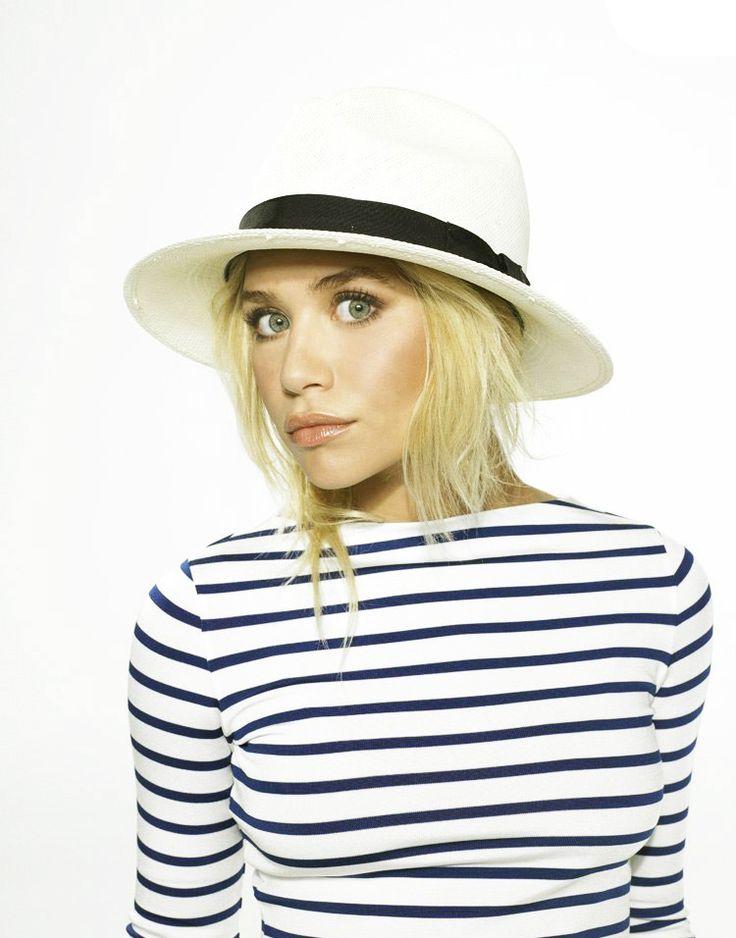Fashion, Style, Makeup, Straws Hats, Fedoras, Ashley Olsen, Ashleyolsen, Stripes, Olsen Twin