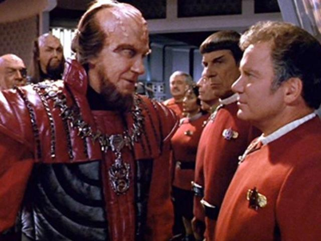Following the violent explosion of an energy production facility on the Klingon moon of Praxis, the collapse of the Klingon Empire is considered imminent. In 2293, the United Federation of Planets decides that this is the opportunity to finally negotiate ...