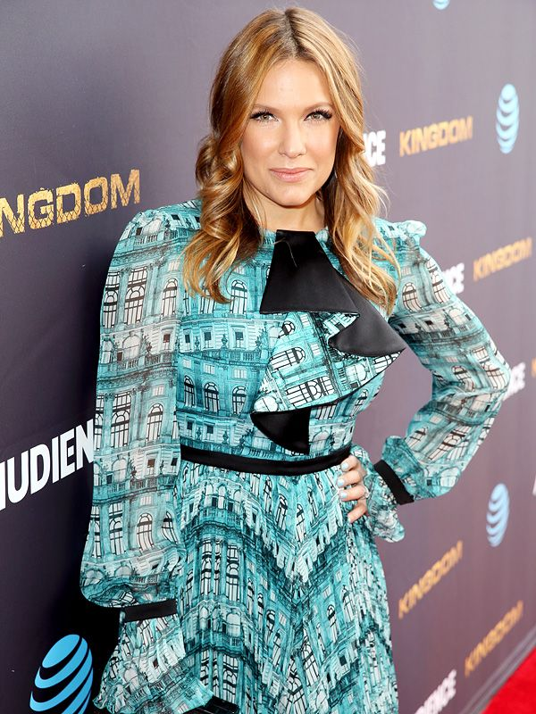 Kiele Sanchez Was 'Grateful' for Going Back to Work After Late-Term Miscarriage: 'I Did Not Have the Option to Hide' http://celebritybabies.people.com/2016/07/14/kiele-sanchez-work-after-miscarriage-couldnt-hide/
