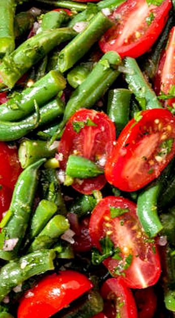 Green Bean and Cherry Tomato Salad with Vinaigrette Dressing ❊