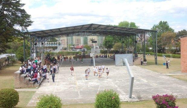 El colegio Sagrado Corazón de Jesús, (Salesianas), es uno de los nueve colegios oficiales, seleccionado a nivel nacional por el ministerio de Educación para que sus estudiantes participen del Primer Campo Nacional de Inmersión de Inglés. / Suministrada  - El Nuevo Liberal.