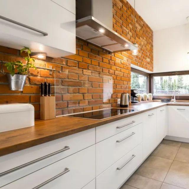 Inspiracja Dla Naszej Kuchni Otwarta Prawa Strona Tj Bez Szafek Gornych Z Cegla Do Sufitu Kitchen Remodel Plans Simple Kitchen Remodel Cheap Kitchen Remodel