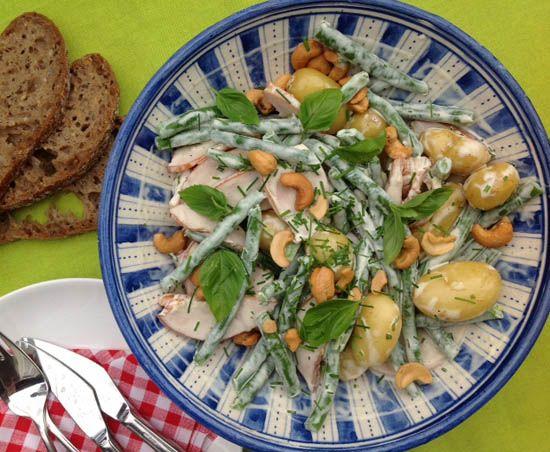 Een ideaal recept voor op de camping moet in alle opzichten flexibel zijn. Salade met krieltjes bijvoorbeeld.