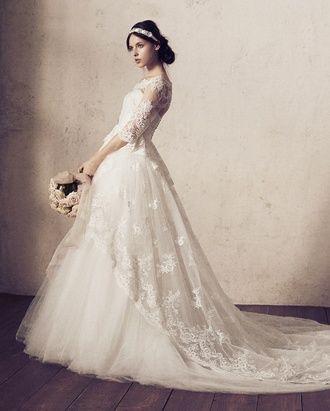 ハツコエンドウ http://www.the-wedding.jp/dress/db/hatsukoendo_024/(tab)/photogallery/(id)/165149/