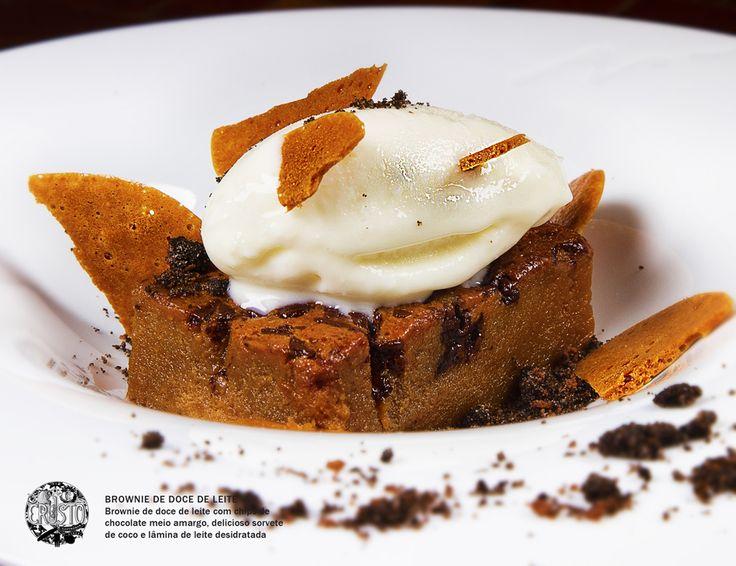 Brownie de Doce de Leite. Crustô Gastro in Ipanema, Rio de Janeiro. Photo: Andre Magarão
