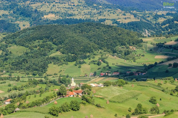 Biserica din Rosia   Bihor in imagini