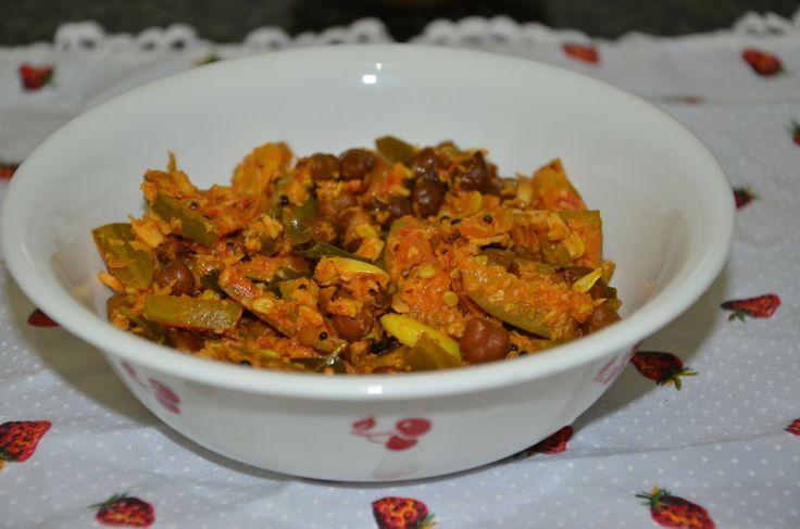 Kadle Manoli- a vegetarian dish made with Chickpeas (Kadle), Gherkins (Manoli), coconut and spices