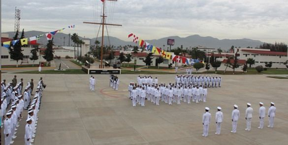 Dan ascenso de grados en Armada de México