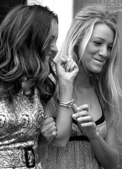 blair and serena (me and grace) @gracia fraile Gomez-Cortazar Gallucci lol. Our photoshoot