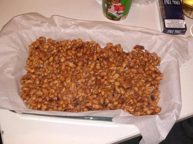 Nuts with cinnamon and honey