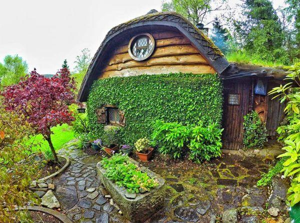 Unique Hobbit House With Nature Accents Hobbit House Kit Hobbit House For Sale House Built
