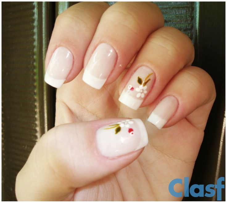 uñas frances con flor