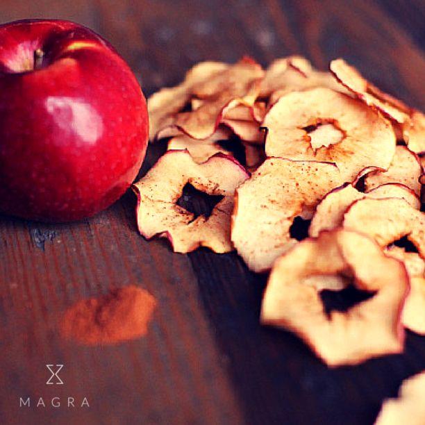 Hoje nossa dica de receita é de um snack super saudável e muito saboroso: Chips de Maçã. Cada porção tem em média 50 calorias. Acesse o aplicativo e confira!
