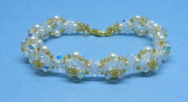 Perle+und+Kristall+Swarovski+Armband+von+akcrystalbead+auf+DaWanda.com
