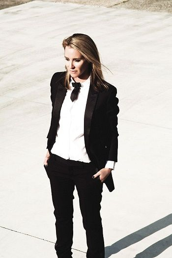 tomboyfashionireland:Minimal, chic & androgynous suit Source BlazerBlue.com