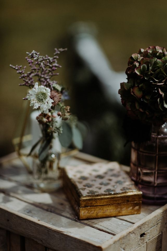 wedding planner, kismet and clover, canmore and banff wedding planner, rustic wedding, vintage wedding, wedding decor, ceremony decor, lavender and gold
