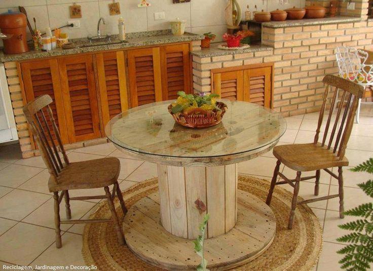 #Mesa feita de #carretel...Adorei! Saiba como fazer mais coisas em http://www.comofazer.org
