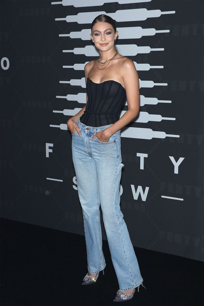 Priyanka Chopra Wore the 2020 Denim Trend Celebs Are Ditching Their Skinnies For in 2020 | Denim trends, Jean trends, High waist fashion