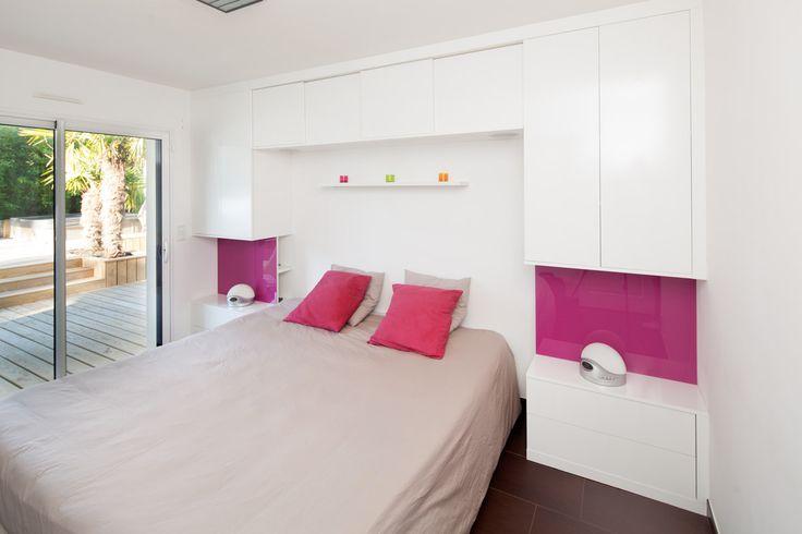 les 25 meilleures id es de la cat gorie pont de lit sur pinterest lit pont chambre coucher. Black Bedroom Furniture Sets. Home Design Ideas