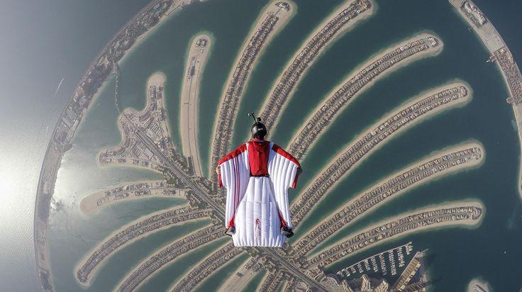 Os 5 lugares mais fantásticos do mundo para saltar de paraquedas