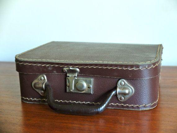36 best vintage │suitcase images on Pinterest | Vintage suitcases ...