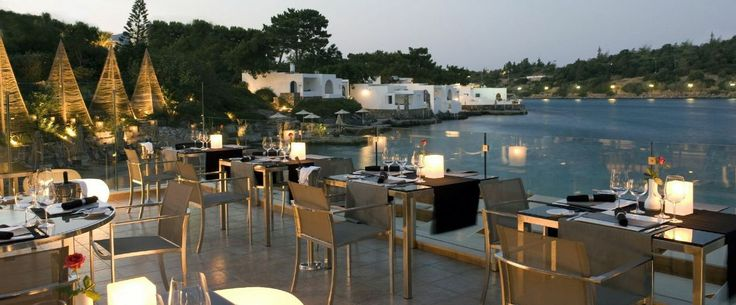 Overlooking the sea is our famous Mediterranean gourmet restaurant 'La Bouillabaisse' where guests can have a romantic dinner by the water's edge.