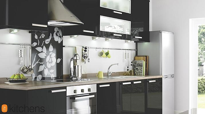 With sleek, black gloss doors, this Black Slab kitchen is the ultimate in modern styling. Plan your chic new kitchen today. #kitchen http://bq.co.uk/N9X9hL
