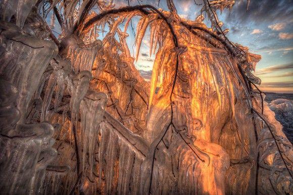 FOTOPRÍBEH: Pozrite si úžasnú hru ľadu počas západu slnka | nasenovinky.sk