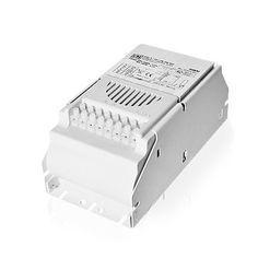 BALASTRO ETI TT 400 W CDM El balastro ETI Clase 1 400W UAL-TT CDM\/LEC es un balastro magnético con protección térmica y arrancador temporizado cíclico. Es el recomendado para lámparas de Halogenuros Metálicos de 400W y LEC de 360W. Contiene arrancador y condensador en un solo bloque, ideal para armarios de 100x100 o 120x120cm. Por su precio y fiabilidad quizá sea el balastro más usado por los cultivadores de marihuana que no quieren hacer un gran desembolso antes de pasarse a un balastr...
