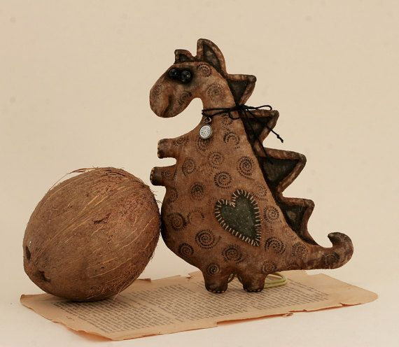 Primitive small Dragon Dinosaur Folk Art Doll The aroma of cinnamon coffee Animals textile doll vintage style Extreme Primitive collection.