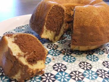 Receita Naked Cake de Brigadeiro Gourmet com Brigadeiro de Coco. Quer impressionar seus convidados? Esse bolo é lindo, saboroso e muito refinado. Garantia