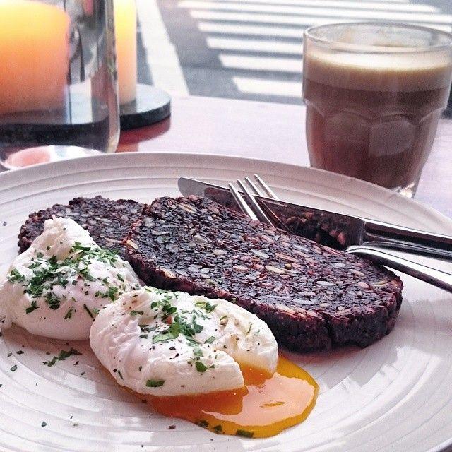 Morgenmad hos Lillebror -
