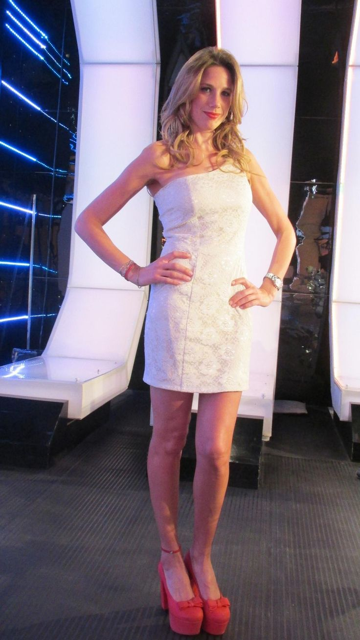 Hermosa @AlinaMoine con el vestido mugler !!!!