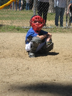 great tips on surviving t-ball. if we ever coach again, it's getting sent out to all our parents.