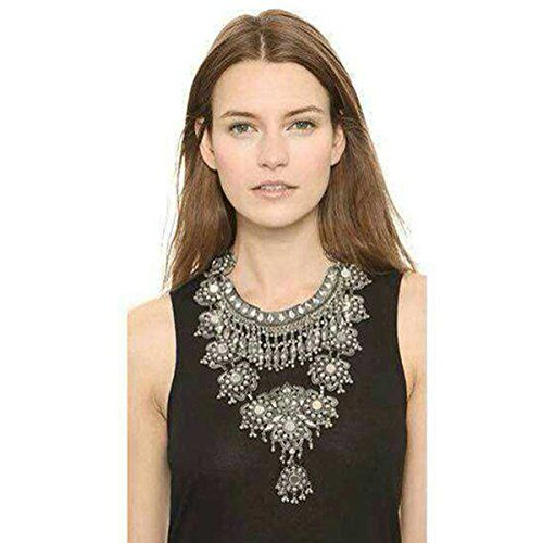 Statement necklace on point ☝️ Shop the Bling collection here: http://amzn.to/2lj9uVW