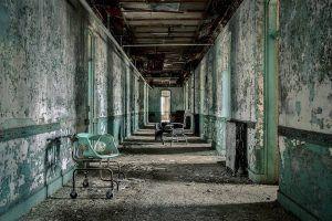 Des images d'asiles abandonnés
