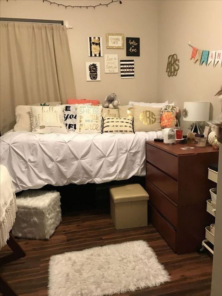 Best 25 diy dorm room ideas on pinterest doorm room - Dorm living room decorating ideas ...